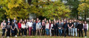 Jeder Gruppenleiter leitet eine Gruppe von durchschnittlich 30 Medizinstudierenden.