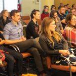 Ein gespanntes Publikum aus knapp 40 Gruppenleiter/innen lauschte den Vorträgen.