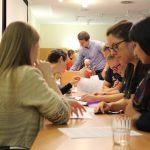 In Form einer Prozessevaluation bewerten sich die Medizinstudierenden gegenseitig mit Fragebogen.