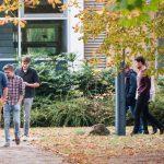 Spaziergang durch den Garten der Thoraxklinik Heidelberg